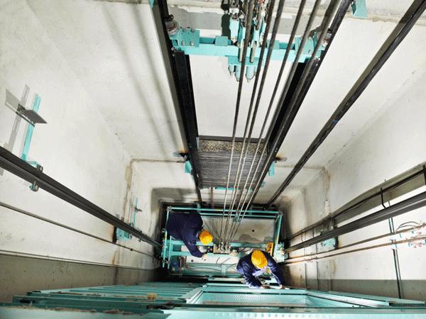 Installazione-impianti-elevatori-Parma